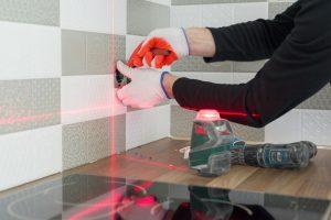 Poziomica laserowa. Jak jej używać?