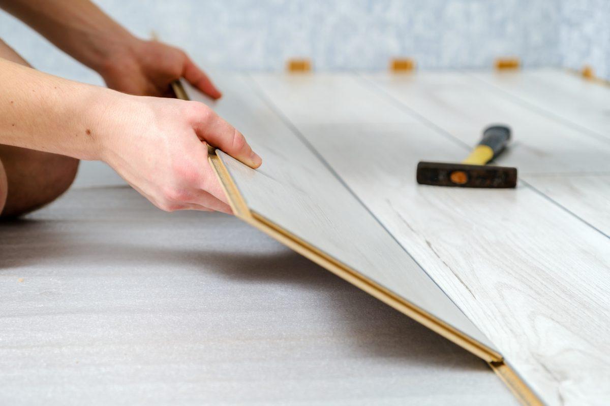Układanie paneli podłogowych krok po kroku?