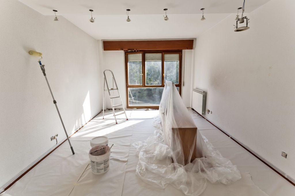 pokój przygotowany do remontu