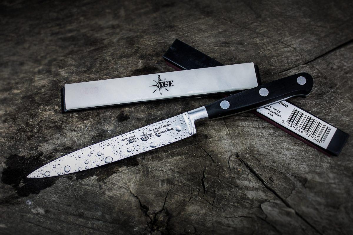 Jak naostrzyć nóż? Ostrzałki do noży